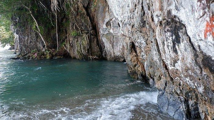 Menikmati Kesegaran Sungai Tamborasi, Sungai Terpendek di Dunia yang Ada di Sulawesi Tenggara
