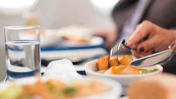 Ilustrasi makanan di pesawat