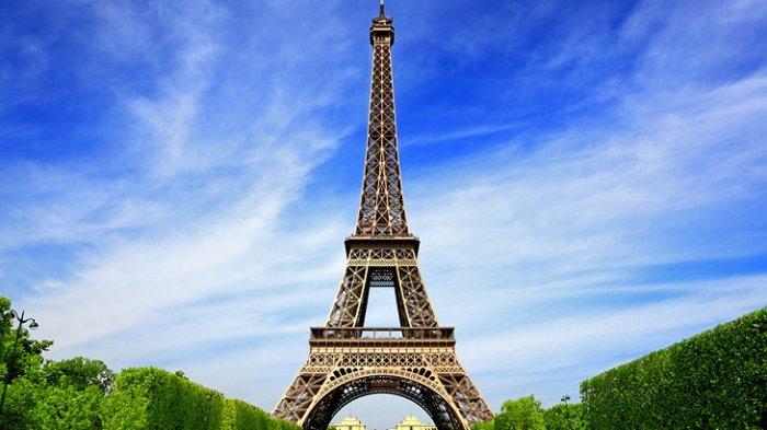Menara Eiffel di Paris