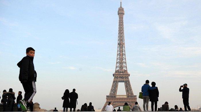 Virus Corona di Prancis, Menara Eiffel hingga Museum Louvre Ditutup