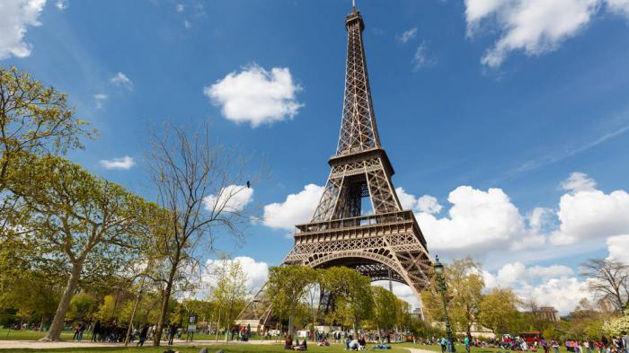 Menara Eiffel dan 8 Destinasi Populer di Dunia yang Melarang Wisatawan Berfoto