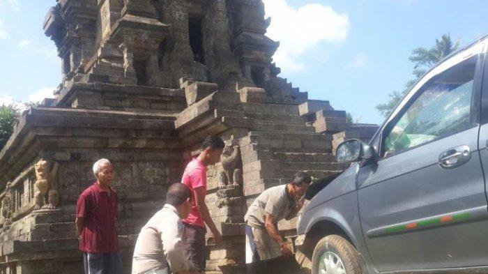 Situs Candi di Malang Tertabarak Mobil, Sopir Kia Sebut Tengah Berhalusinasi