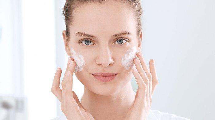 Awas! 5 Kandungan dalam Skincare Ini Justru Bikin Wajah Rusak