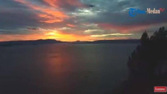 Menikmati Keindahan Danau Toba dari Bukit Singgolom Sepanjang Hari