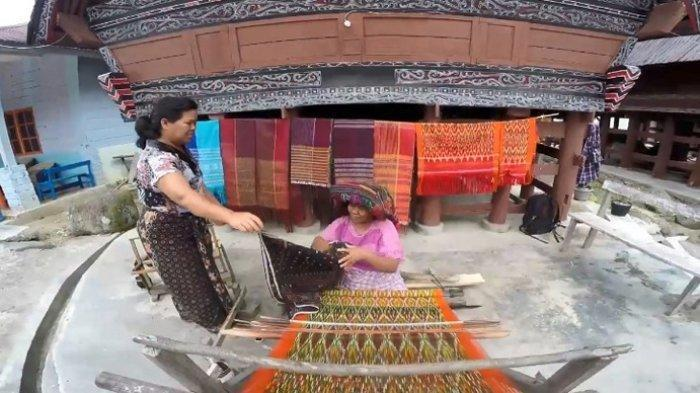 Berkunjung ke Desa Adat Ragi Hotang Meat di Bibir Danau Toba Serasa Kembali ke Masa Lampau