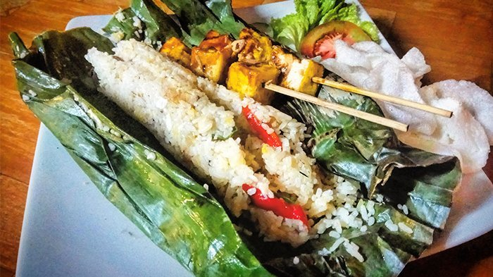 5 Resep Nasi Bakar Enak untuk Menu Buka Puasa, Cobain Nasi Bakar Serundeng Ikan