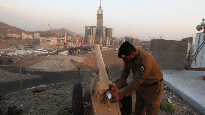 Penembakkan meriam sebagai tanda buka puasa di Timur Tengah