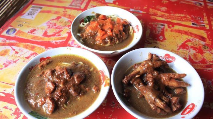 8 Kuliner Legendaris di Jogja untuk Makan Siang, Mie Ayam Bu Tumini Selalu Ramai Pembeli