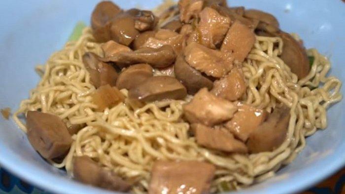 Kuliner Mie Ahong yang Lezat Tak Ada di Google Maps, Pemilik Tak Mau Warungnya Ramai