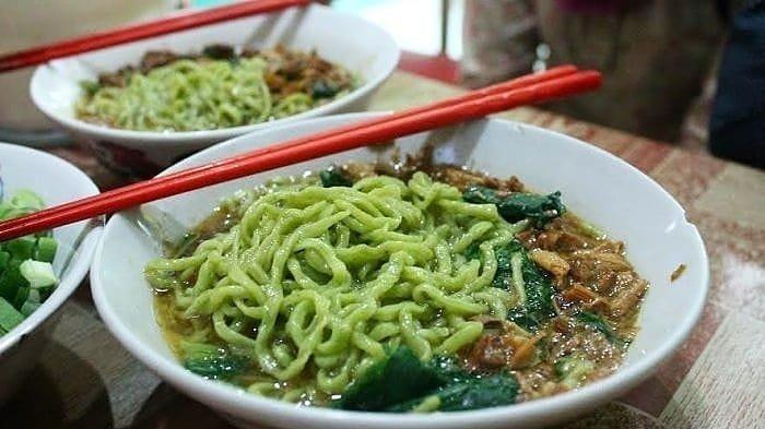 7 Mi Ayam Paling Enak di Semarang untuk Makan Siang, Cicipi Nikmatnya Mi Ayam Rumput