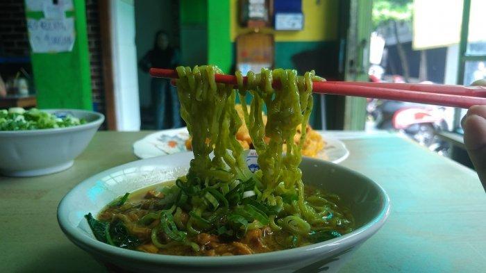 9 Kuliner Enak di Semarang untuk Makan Siang, Hangatnya Gudeg Bu Dul hingga Uniknya Mie Ayam Rumput