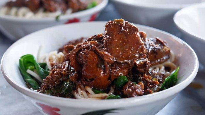 7 Tempat Makan Mi Ayam di Solo yang Harganya Terjangkau, Ada Mie Ayam Pocong yang Populer