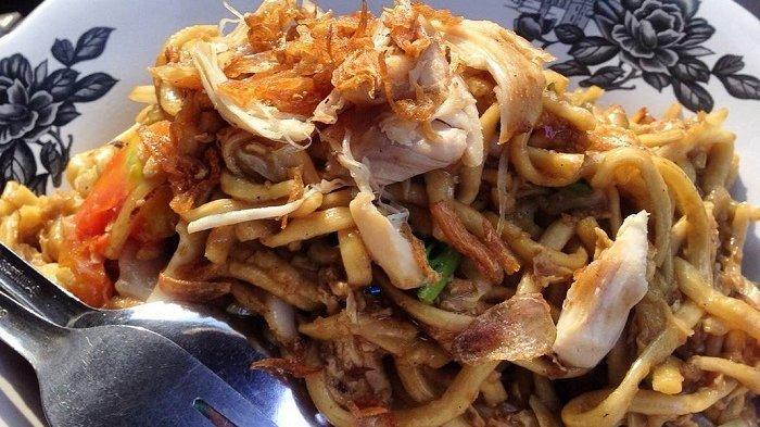 Mencicipi Kelezatan Mi Khodon Teluk Betung, Kuliner Legendaris di Lampung