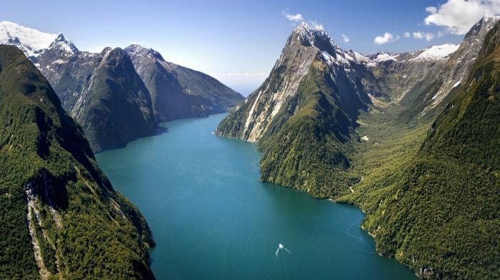 Surga Tersembunyi di Selandia Baru, Milford Sound Tawarkan Keindahan Alam yang Siap Memanjakan Mata