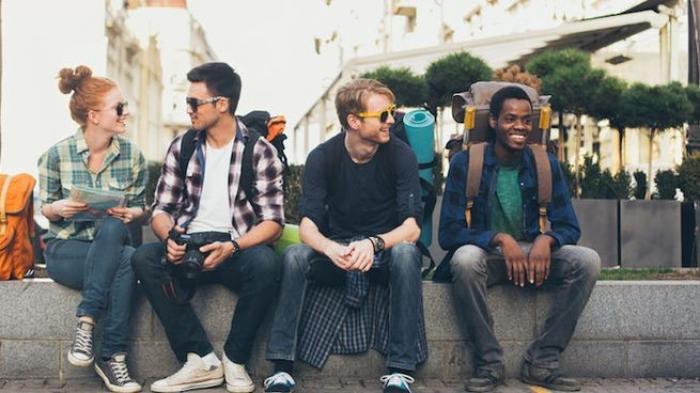 Tips Traveling - Kenalan dengan Bule Nggak Boleh Sembarangan, Perhatikan Etikanya