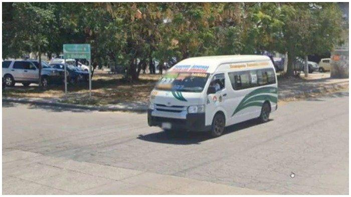 Sebuah mobil van terekam google maps