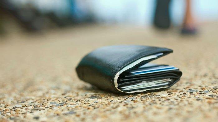 Modus menjatuhkan dompet (huffingtonpost.com)