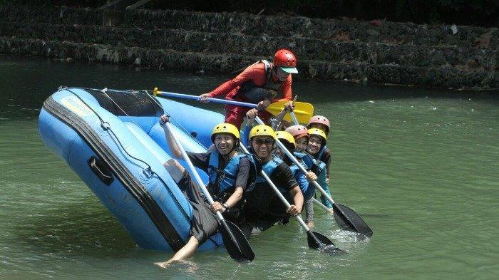 Mencoba Sensasi Rafting di Sungai Elo, Semakin Menantang saat Musim Hujan