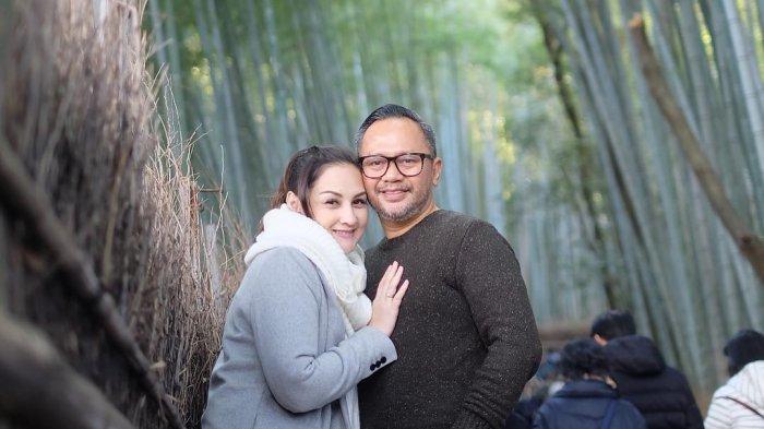 Mona Ratuliu Kenang Pernikahan 16 Tahun yang Lalu, Intip Potret Liburannya Bareng Keluarga di Jepang