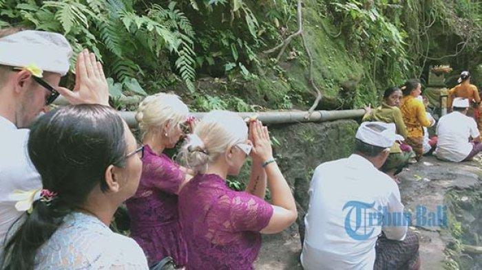 15 Kelakuan Turis Bule di Bali yang Viral di Medsos, Lecehkan Tempat Suci hingga Pura-pura Linglung