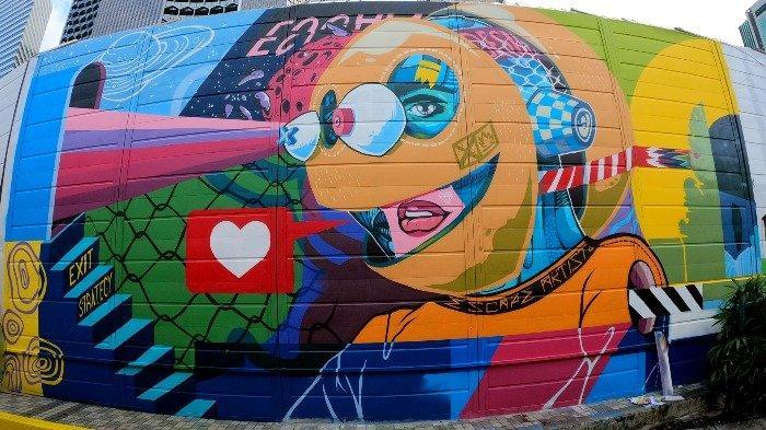 Mural Under the Same Sun karya ZERO di Kampong Gelam Singapura