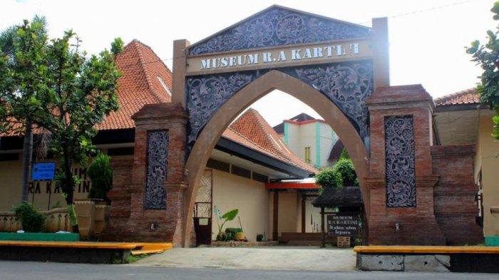 Mengenang Jasa Kartini dengan Wisata Sejarah ke Museum R.A Kartini di Jepara