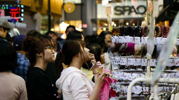 10 Tempat Belanja Terbaik di Korea Selatan, Penggemar Kosmetik Bisa Mampir ke Myeongdong