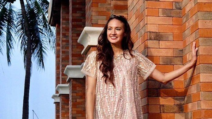 Berkunjung ke Klaten, Nadine Chandrawinata Unggah Potret Liburan di Umbul Sigedang
