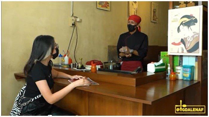 Magda berkesempatan berbincang dengan pemilik Nam Lapan