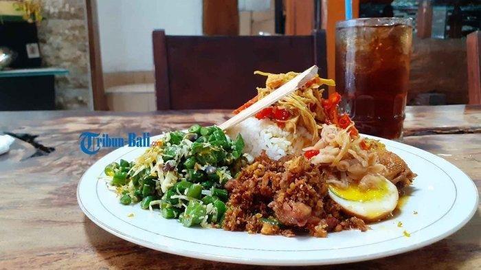 Mencicipi Nasi Ayam Bu Oki, Kuliner Khas Bali yang Jadi Favorit Wisatawan