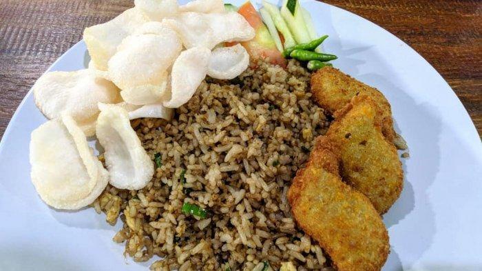 Ilustrasi nasi goreng di rumah makan kebuli