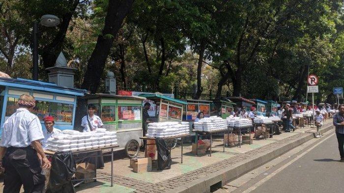 32 Ribu Porsi Nasi Goreng Gratis Disiapkan Relawan Jokowi, 160 Gerobak Berjejer Sekitar Monas