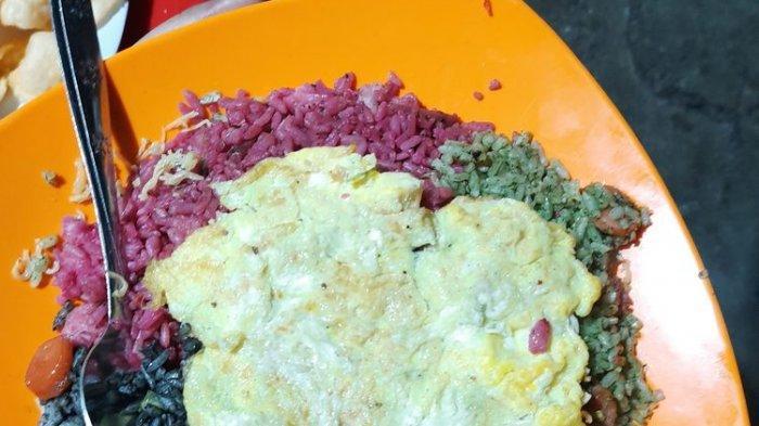 Inilah Nasi Goreng Pelangi di Jakarta Selatan, Ada 3 Warna Nasi dalam 1 Piring