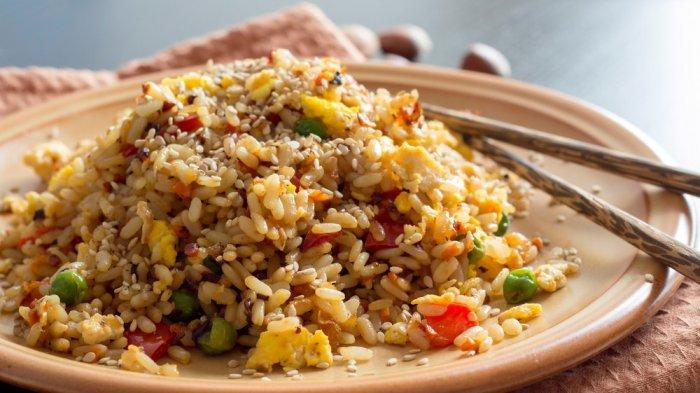 7 Tempat Makan Nasi Goreng di Jakarta, Ada yang Dimasak dengan Arang