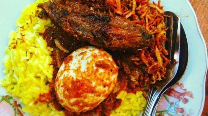 5 Tempat Makan di Surabaya yang Tawarkan Menu Sarapan Enak,  Mampir ke Nasi Kuning Avon Ambon