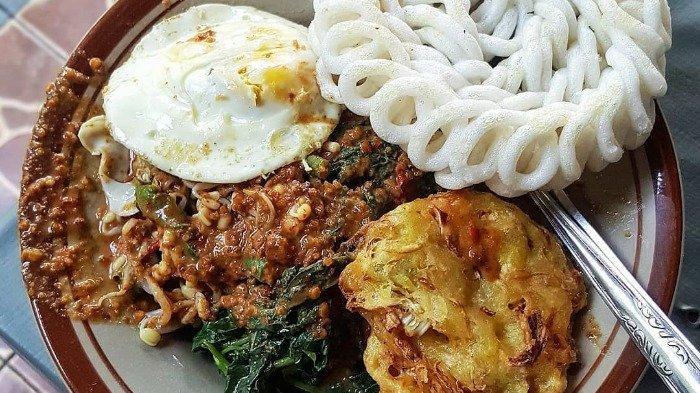 Nasi pecel Bu Sumo Semarang untuk menu sarapan