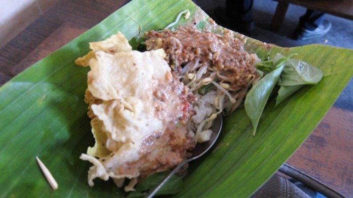Nasi pecel enak di Madiun untuk menu sarapan