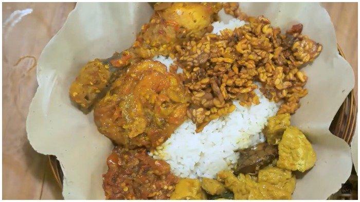 Nasi Pedas Bu Andika di Bali Laris Manis, Sehari Bisa Masak hingga 50 Kg Cabai Setan