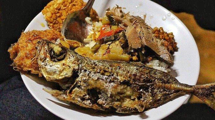Nasi Teri Gejayan dan 8 Kuliner Malam di Jogja yang Selalu Diburu Wisatawan