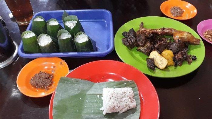 4 Nasi Uduk Enak di Jakarta Buat Makan Malam, Nasi Uduk Kebon Kacang Puas Hati Ibu Tati Bikin Nagih