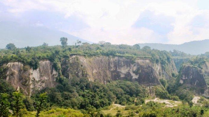 Ngarai Sianok di Bukittinggi, Sumatera Barat.