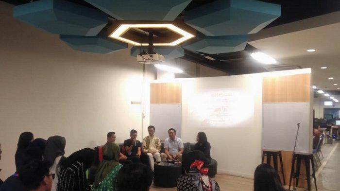 Suasana diskusi Mewah (mepet sawah) di Kantor Tribunnews Solo, Jalan Adisumarmo 335 A, Colomadu Karanganyar, Kamis (23/5/2019).