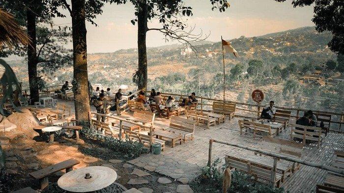 6 Kafe Hits Dekat Cimory Dairyland Prigen, Ada yang Tawarkan Pemandangan Sawah dan Pegunungan