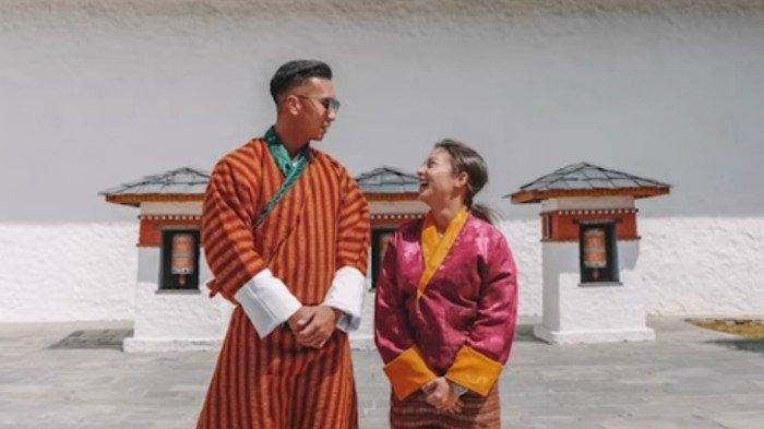 Kangen Traveling, Nikita Willy Kenang Momen Jalan-jalan ke Bhutan Bareng Suami