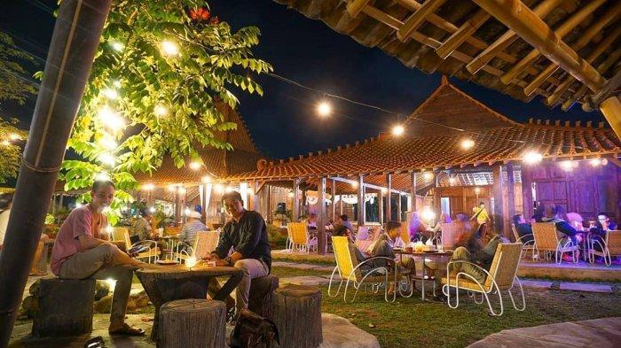 Ningrat Cafe di Puri Mataram