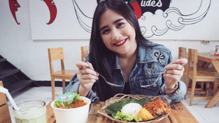 Kue Kekinian Mulai Meredup, 10 Artis Ini Masih Tetap Bersinar dengan Bisnis Kuliner Khas Indonesia