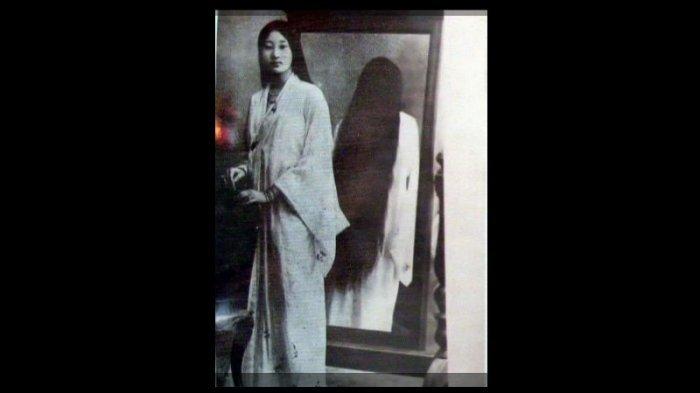 Banyak yang Ngeri! Ternyata Begini Kisah di Balik Lukisan Wanita Berambut Panjang di Malang
