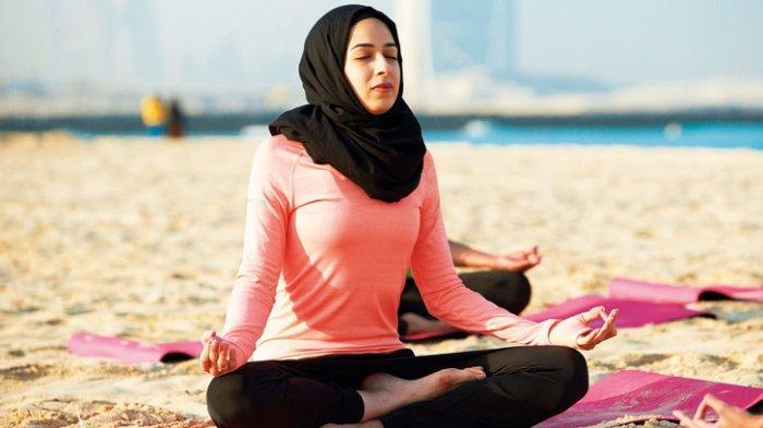 Ilustrasi Olahraga Yoga di bulan ramadan