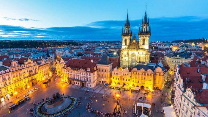 11 Foto Keindahan Praha yang Akan Membuatmu Ingin Segera Liburan ke Ibu Kota Republik Ceko