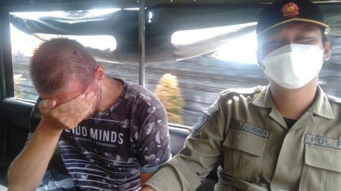Bule Rusia Diamankan Satpol PP Gara-gara Tidur di Warung Makan di Bali, Saat Ditanya Tampak Linglung